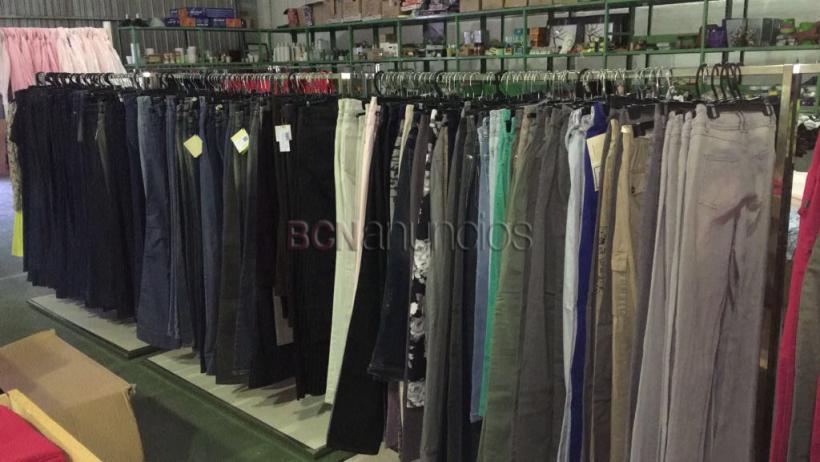 Faldas y pantalón tejano