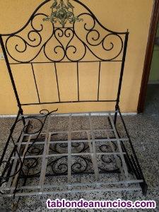 Vendo cama antigua de hierro forjado.