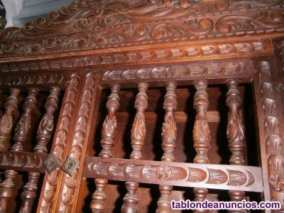 Por traslado vendo magnífico bargueño antiguo de caoba