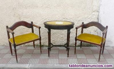 Mesita aux. Y dos sillas, estilo imperio