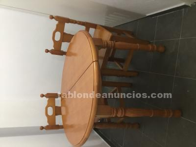 Mesa redonda 4 sillas y aparador