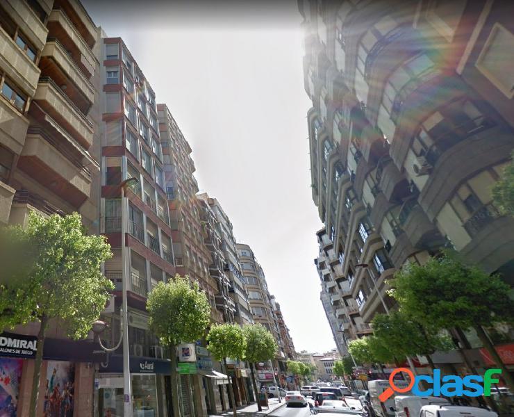150 METROS DE VIVIENDA EN UNA DE LAS MEJORES CALLES, REINA