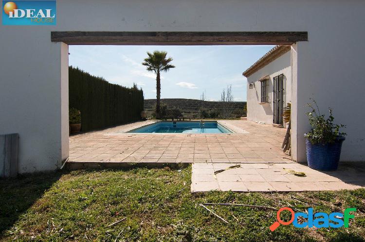 A6727J1. Espectacular casa en Las Gabias. www.idealhouse.es