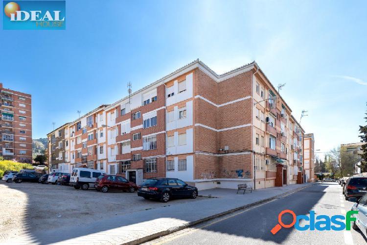 A6728J1. Vivienda de 3 dormitorios junto Tráfico - Cartuja.