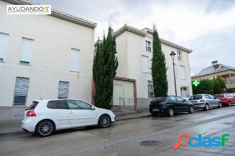 AYUDANDO-T Inmobiliaria ofrece amplio piso en Cabanillas del