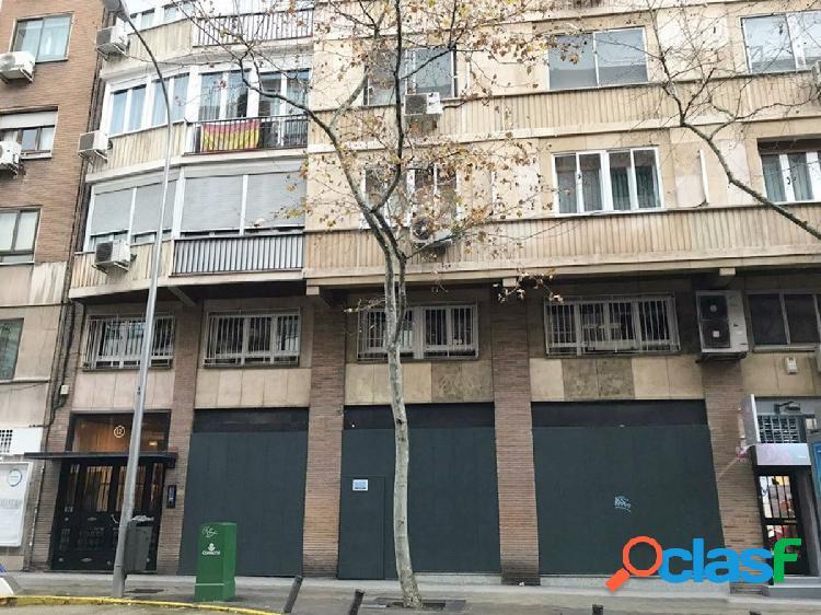 **AZCA. LOCAL COMERCIAL DE 354 m2 EN DOS PLANTAS**