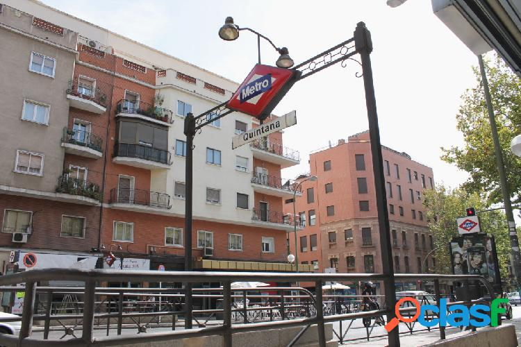 Alquiler de piso en Pueblo Nuevo, 3 domitorios, 2 baños,