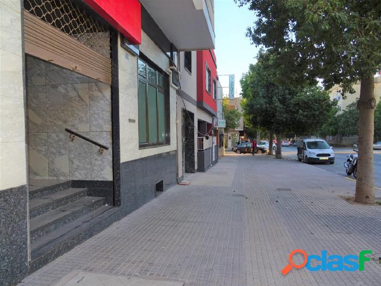 Alquiler, local comercial en Ramón y Cajal