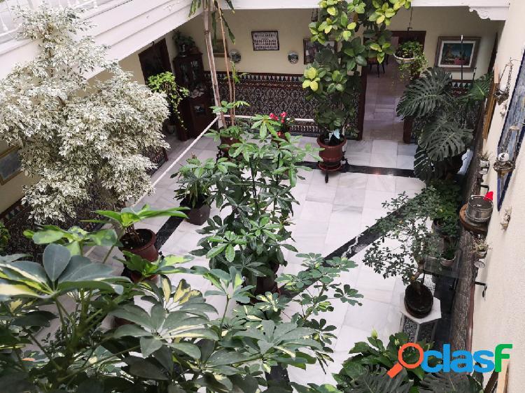 Amplia casa con patio en el centro de Jerez