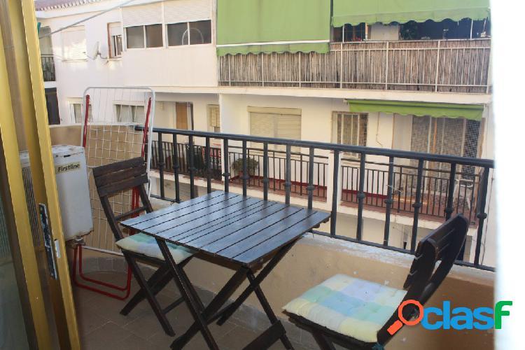 Amplio apartamento de 70 m2 situado en el paseo márítimo