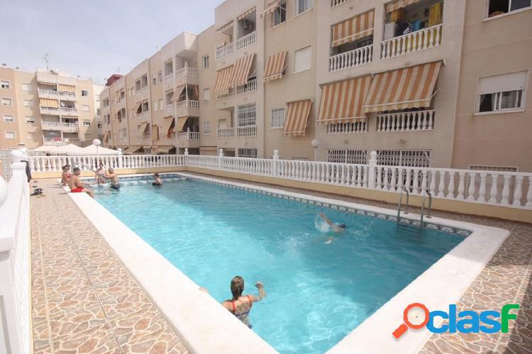 Amplio piso 2 dormitorios con piscina