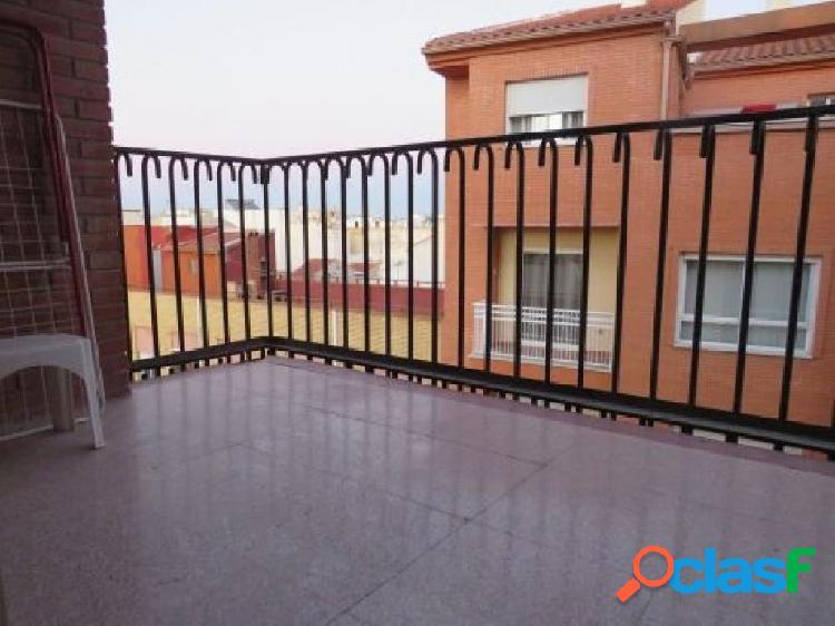 Amplio piso en el centro de Alcantarilla