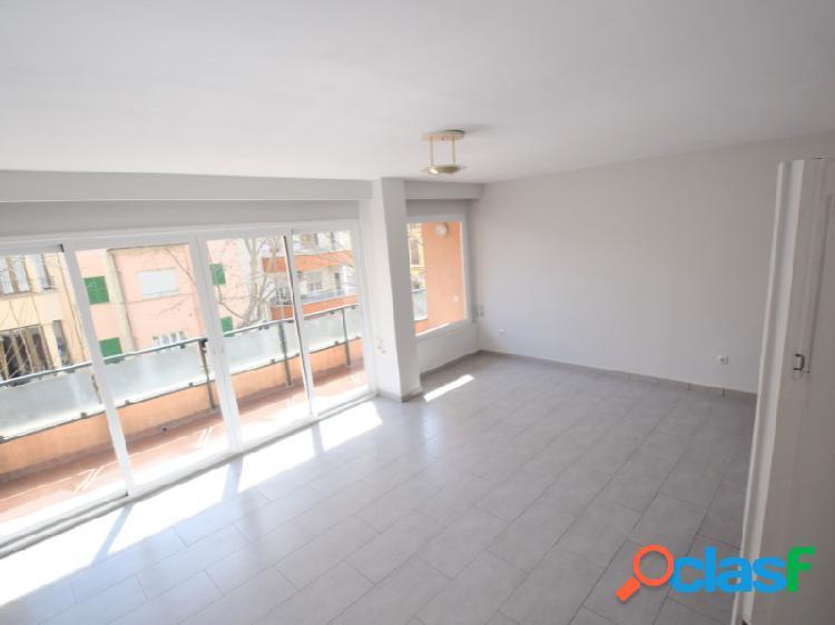 Amplio y luminoso piso familiar en Son Armadams.