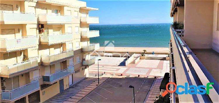 Apartamento con amplia terraza con fantásticas vistas al