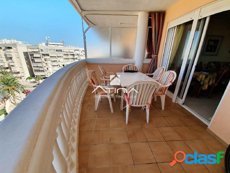 Apartamento con espectacular terraza y vistas al mar situado