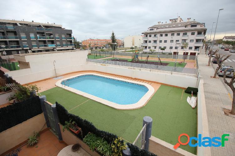 Apartamento con piscina en canet pueblo