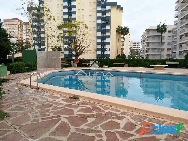 Apartamento con vistas al mar situado en 3ª linea de la