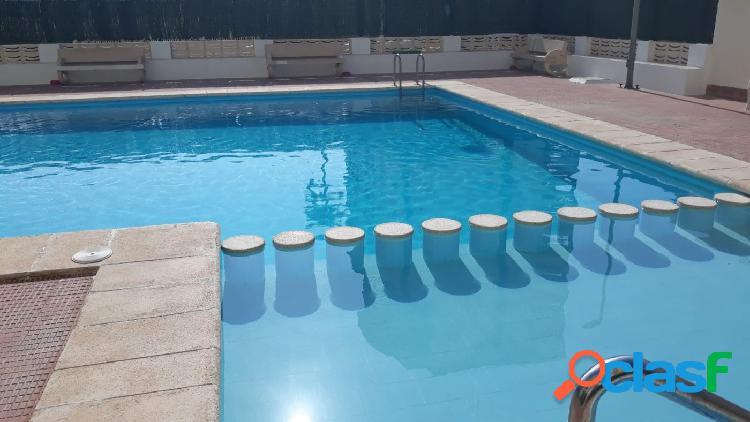 Apartamento de 2 hab. con piscina en Playa de Gandía en el