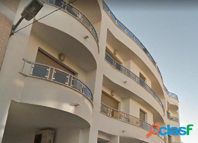Apartamento de 3 dormitorios y 2 baños en Pego.