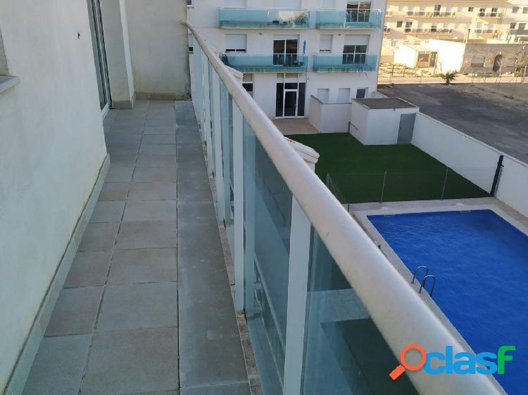 Apartamento de 60 m2 con 2 habitaciones. Parquing. Piscina
