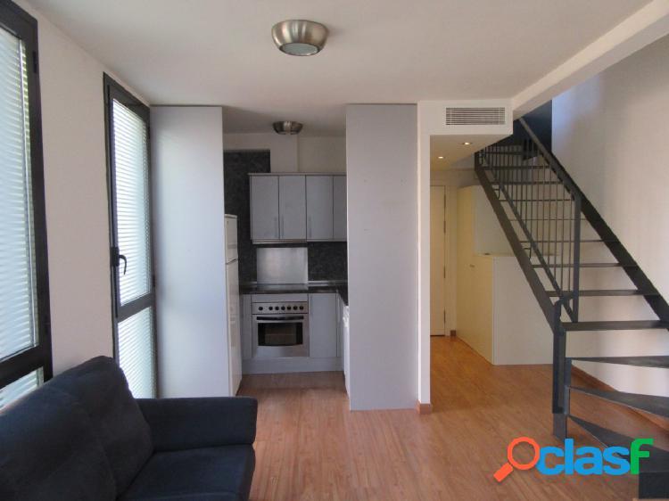 Apartamento dúplex de 2 dormitorios, en el centro de la