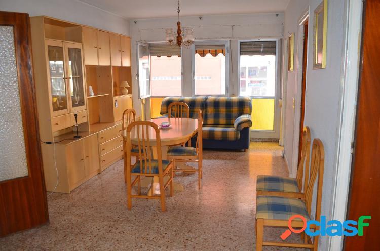 Apartamento en esquina situado a cinco minutos del centro.