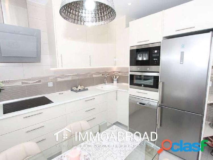 Apartamento en venta en Torrevieja con 2 dormitorios y 2