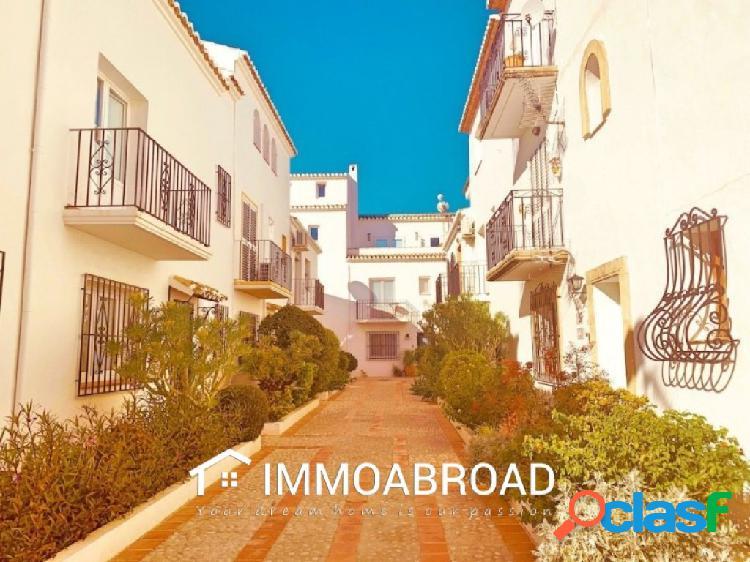 Apartamento en venta en Xabia con 2 dormitorios y 2 baños