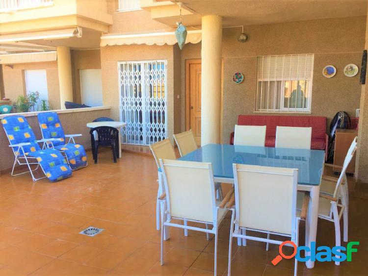 Apartamento planta baja de 2 dormitorios con gran terraza