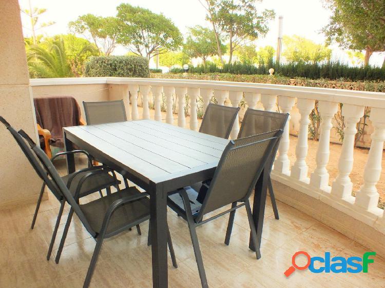 Apartamento planta baja de 2 dormitorios con gran terraza y