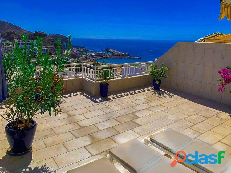 Apartamento reformado con increíble vistas al mar y terraza