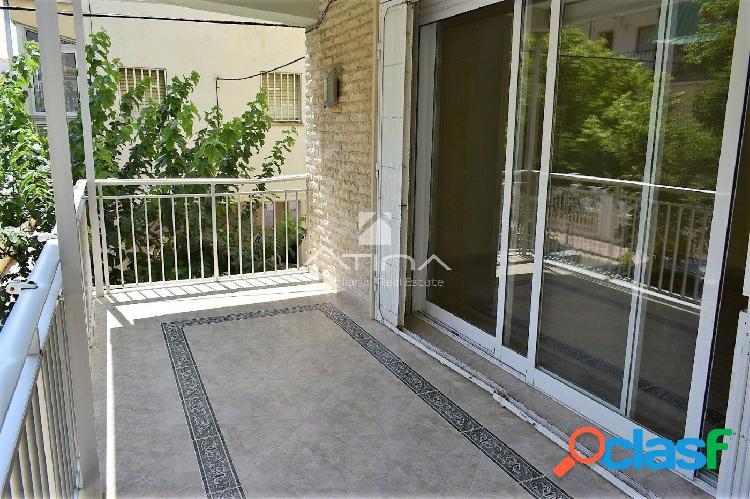 Apartamento totalmente reformado con terraza de 40 m2