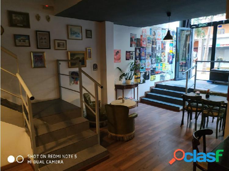 Bar de copas en Compte Borrell