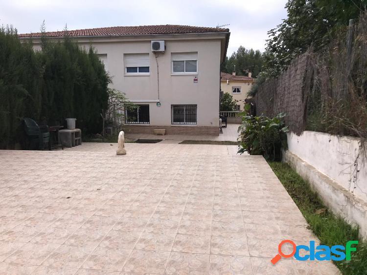 Bonita casa unifamiliar pareada en Segur