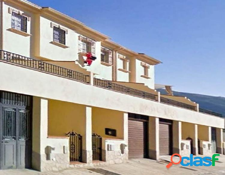Bonita vivienda unifamiliar adosada situada en zona