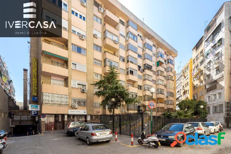 Bonito apartamento en la Avda. Madrid y frente antigüa