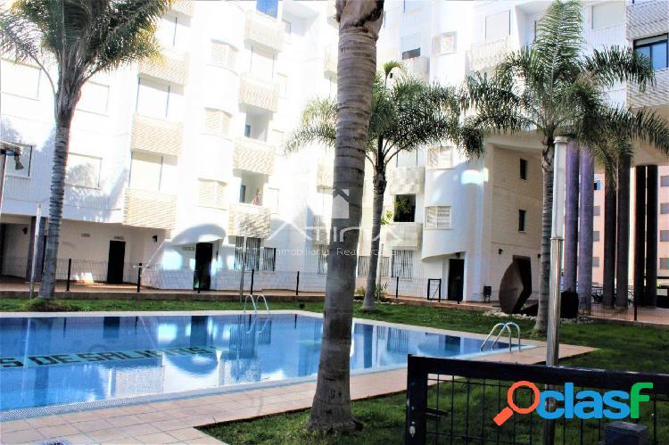 Bonito apartamento situado en 4ª linea de la playa de