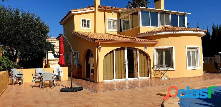 Bonito chalet ubicado en zona residencial de Gata de Gorgos