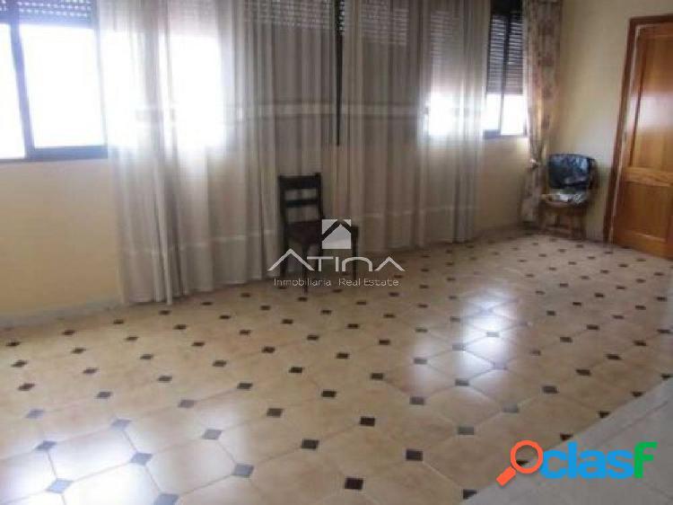 Bonito piso a un paso del paseo situado en Gandia,