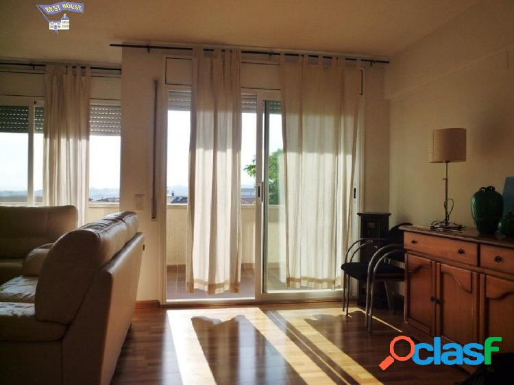 Bonito piso duplex de 130 m2, 3 hab, 2 baños, parking en