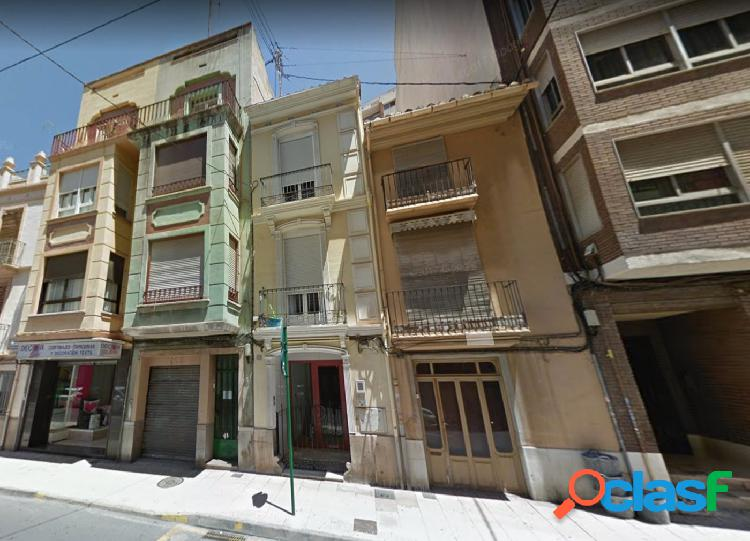 Casa con fachada en dos calles en el centro de Castellón