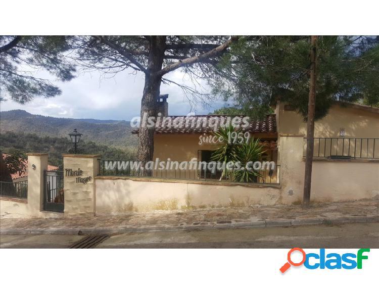 Casa de 215 m² con piscina y barbacoa en Serra Brava