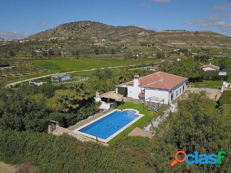 Casa de campo-Masía en Venta en Alhaurin El Grande Málaga
