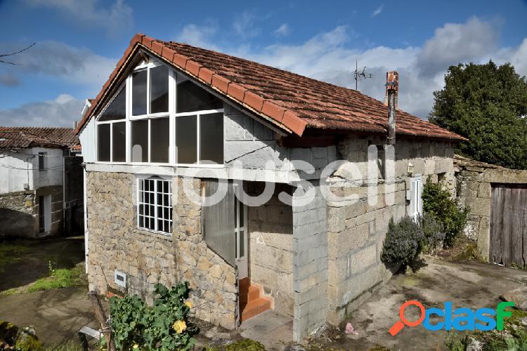 Casa en venta de 57m² en Calle Travesas, 32613 Ourense