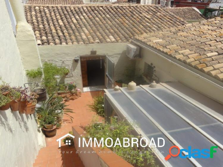 Casa en venta en Oliva con 3 dormitorios y 2 baños