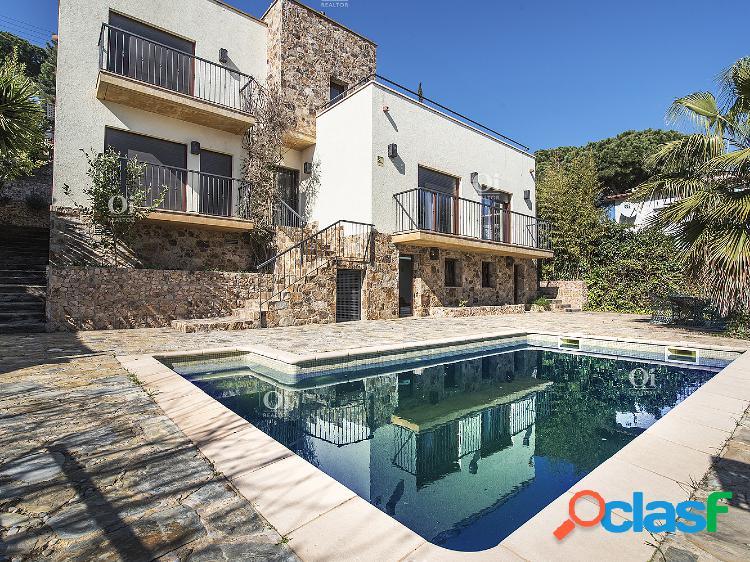 Casa en venta en Serra Brava, Lloret de Mar. VILLA