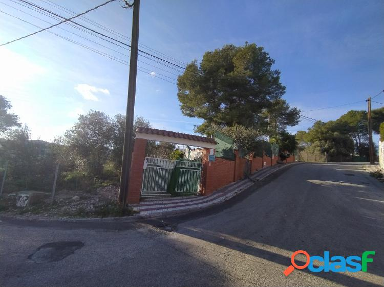 Casa esquinera en venta en Mas Trader I.
