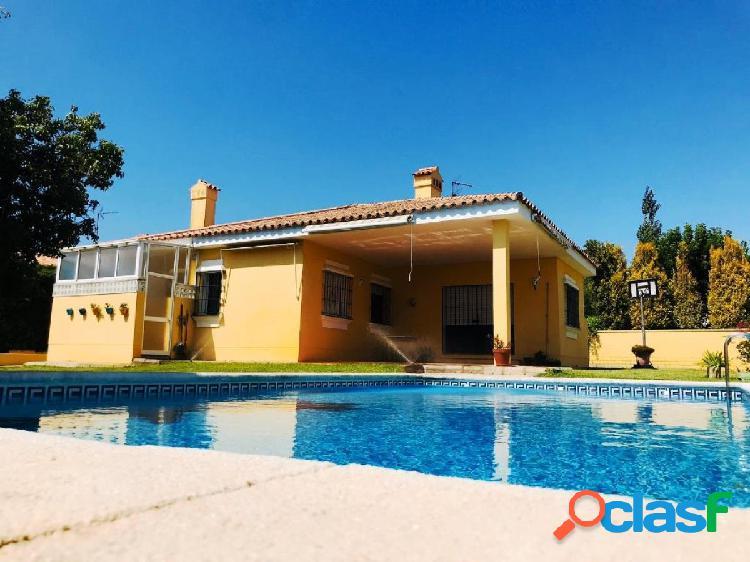 Chalet Independiente con piscina