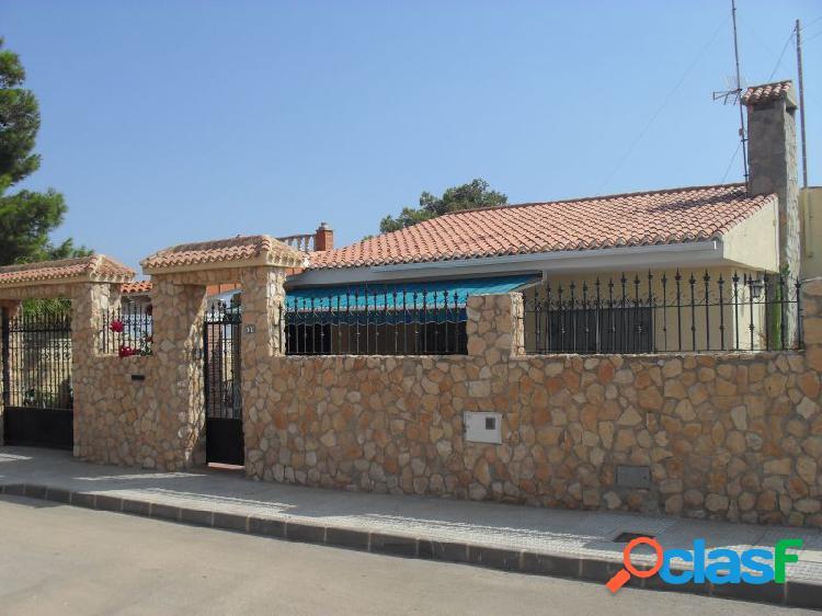 Chalet en planta baja con piscina en El Carmolí