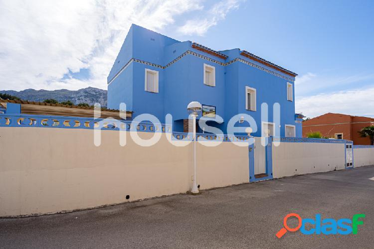 Chalet en venta de 220 m² en Camino De la Alqueries, Dénia
